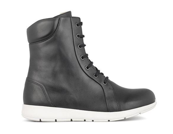 New Feet støvler m/snørebånd og lys sål, sort